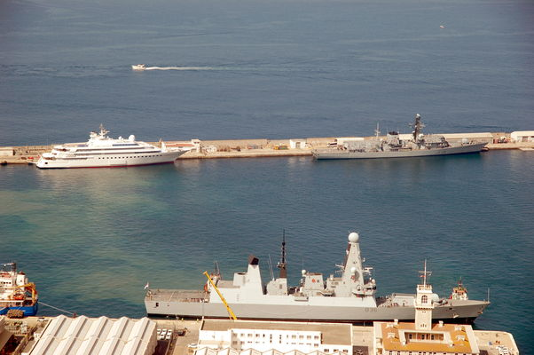 HMS Kent F78 + HMS Defender D36 in Gibraltar