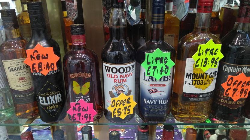 Rum auf Gibraltar in der Main Street